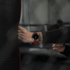 From a first round KO to running a marathon. Every moment matters. with stopwatch to of a second. Montblanc Summit, Every Moment Matters, Android Wear, First Round, Marathon Running, Wearable Technology, Smart Watch, Watches, Model