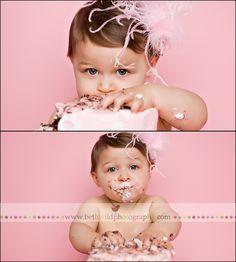 cake smash loove the pink