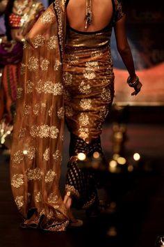 Gorgeous gold and bronze brocade detail saree.