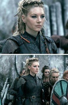 Katheryn Winnick as Queen Lagertha Vikings Lagertha, Ragnar Lothbrok, Katheryn Winnick Vikings, Viking Braids, Viking Hair, Viking Life, Viking Warrior, Viking Queen, Celtic Hair