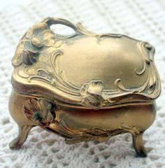 Art Nouveau Vintage Trinket Box Jewelry by mitziscollectibles, $16.00