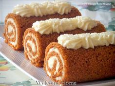 Wondering if I could make this gluten free? Welcome Home: Classic Autumn Pumpkin Roll Pumpkin Recipes, Fall Recipes, Sweet Recipes, Holiday Recipes, Thanksgiving Recipes, Holiday Treats, Köstliche Desserts, Delicious Desserts, Dessert Recipes