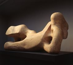 Henry Moore: Reclining Figure, 1959-64.