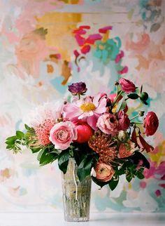 Ranunculus and mixed floral bouquet Deco Floral, Arte Floral, Floral Design, Pretty Flowers, Fresh Flowers, Colorful Flowers, Art Flowers, Pink Flowers, Happy Flowers