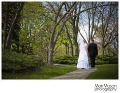 couples walking away Couples Walking, Walking Away, Wedding Gallery, Photography, Photograph, Fotografie, Photoshoot, Fotografia