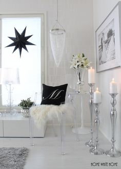 Black and white Christmas Living Room Grey, Home Living Room, Living Room Decor, Silver Room, Christmas Living Rooms, Beautiful Houses Interior, Home Office Decor, Home Decor, French Decor