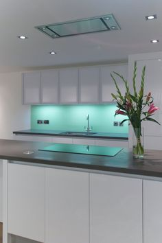 Bespoke Italian and British kitchens, designed by architects. A complete kitchen design, supply & installation service without the overheads of others. Kitchen Design, Kitchens, London, Projects, Home Decor, Log Projects, Blue Prints, Decoration Home, Design Of Kitchen