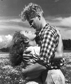 'Hilja - maitotyttö' on Toivo Särkän ohjaama suomalainen elokuva vuodelta 1953. | Elonet, Anneli Sauli as Hilja