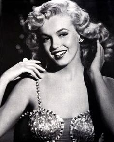 "Marilyn Monroe: i dont care if she was a slut. She is beautiful. Definitely a better icon of beauty then what society says is ""beautiful"" these days"