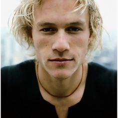 Heath Ledger would have been a perfect casting choice for Rhaegar Targaryen. :( This will now and forever be who I see in my head when I read the books.