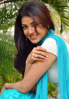 Kajal Aggarwal is a gem of South Indian cinema. With killer looks Kajal rules the South in. Beautiful Girl Indian, Beautiful Girl Image, Beautiful Indian Actress, Beautiful Heroine, Beautiful Saree, Beautiful Actresses, Simply Beautiful, Hot Actresses, Indian Actresses