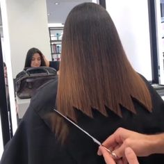 Crazy way cutting the hair! - All For Hair Cutes Hair Cutting Videos, Hair Cutting Techniques, Hair Videos, Cutting Hair, Hair Transplant, Hair Blog, Long Hair Cuts, Hair Transformation, Balayage Hair