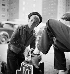 Stanley Kubrick fotografando NY na década de 40