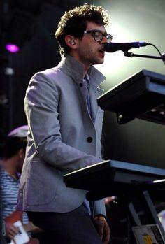 Ben Goldwasser: Keyboards