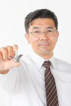 ゲスト◇中原健司(Kenji Nakahara)1968年長野県生まれ。大学卒業後、タカノ株式会社に入社。オフィス家具の開発に従事。94年より3次元CAD・CAEの社内プロジェクト発足に伴い、技術部へ異動し、構造解析、3次元設計の支援や品質工学等の開発ツールの導入を行う。2010年より次世代事業の立ち上げを目的とした新事業開発部に異動し、圧力分布測定システム、農業分野を担当し、現在に至る。タカノ株式会社 オフィシャルサイト http://www.takano-net.co.jp/