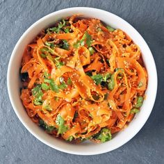 Vinegar Carrots With Toasted Sesame Seeds - This Ribboned Carrot Salad is Perfect for Work Lunch Boxes paleo lunch for work Spicy Recipes, Vegetarian Recipes, Cooking Recipes, Healthy Recipes, Carrot Salad Recipes, Detox Recipes, Summer Recipes, Work Lunch Box, Lunch Boxes