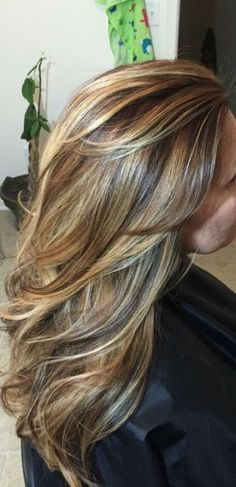 ideas hair color highlights and lowlights brown caramel low lights Ideen Haarfarbe Highlights und Lowlights braun Karamell Lowlights Fall Hair Colors, Brown Hair Colors, Long Hair Colors, Hair Color And Cut, Cool Hair Color, Blonde Balayage, Blonde Hair, Brown Blonde, Ombre Brown