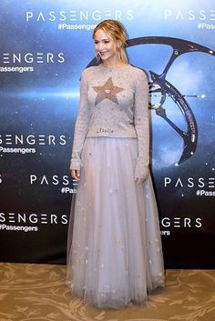 """At the Paris photocall in Dior: 