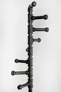 Black Pipe Coat Rack Industrial Style Freestanding Metal Spiral Coat Rack with 8 Hooks and Brass Valve Bag Hook Stand Alone Space Maximizing Rack Industrial, Urban Industrial, Industrial Style, Industrial Design, Free Standing Coat Rack, Coat Tree, Galvanized Pipe, Vintage Umbrella, Water Waste