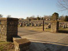 Agnes <i>Morris</i> Sullivan Birth: Jul. 12, 1879 Death: May 29, 1969:   Spouse:   James D. Sullivan (1877 - 1942)*  Maplewood Cemetery  Pulaski Giles County Tennessee, USA