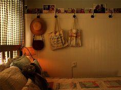 Bedroom, from posie gets cozy Uni Room, Dorm Room, Dream Rooms, Dream Bedroom, Room Ideas Bedroom, Bedroom Decor, Pretty Room, Room Goals, Dream Apartment