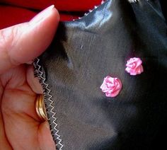 EASIEST silk ribbon rose ever....a tutorial courtesy of mycraft...blog post August 27, 2010