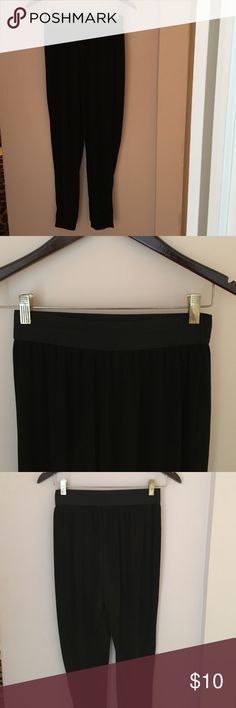 Charlotte Russe Black Balloon Pants Charlotte Russe Black Balloon Pants. Elastic waist band. Fitted at the ankles. Super soft material! Great condition! Charlotte Russe Pants