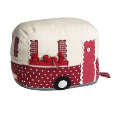 Sewing machine cover that looks like a camper! Could also be toaster cover. Patchwork Quilting, Fabric Crafts, Sewing Crafts, Sewing Projects, Stuffed Animals, Diy Sac Pochette, Fabric Door Stop, Tea Cozy, Creation Couture