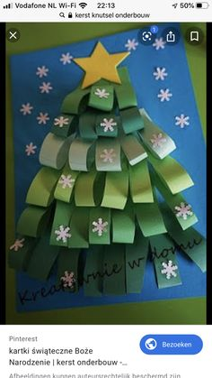Easy Christmas Tree Crafts Ideas for toddlers and preschoolers folded Paper Christmas Tree Christmas Arts And Crafts, Noel Christmas, Christmas Activities, Christmas Projects, Holiday Crafts, Christmas Cards, Christmas Decorations, Christmas Ornaments, Ornaments Ideas