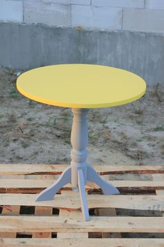 Coffee table, diy, yellow, makeover