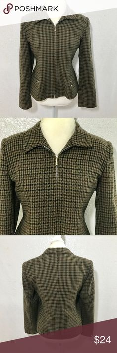 J. London wool houndstooth blazer size 12 Zippered closure and pockets. Colors may vary slightly to lighting and photos. No holes, rips or stains. Measurements approximately as shown. ❌Smoke and pet free home. ⚡️Same/next day shipping. 💲Save by bundling or make a reasonable offer through the offer button. 🚫No holds, trades or modeling. 📦Wrapped and shipped with care. J. London Jackets & Coats Blazers
