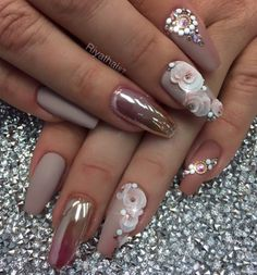 The combination of matte colors for nails and one with a splendor is a good choice. Mat color is discreet and inconspicuous so very cheerful tone to it give glossy nail polishes.