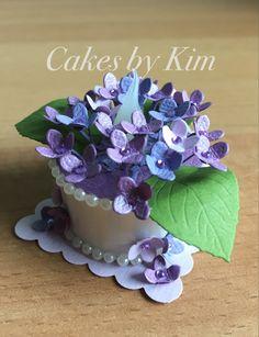 Hydrangea Tea Light Cake (made by Kim) Easy Diy Crafts, Cute Crafts, Crafts To Do, Hobbies And Crafts, Tea Light Lanterns, Tea Light Candles, Battery Operated Tea Lights, Light Cakes, Candle Craft