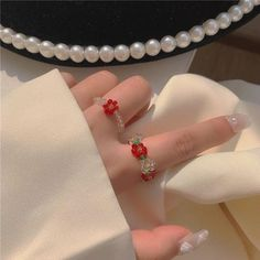 Japanese Aesthetic, White Aesthetic, Shops, Kawaii Fashion, Ring Necklace, Beaded Flowers, Cute Nails, Charm Jewelry, Seed Beads