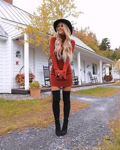 Perfect And Modest Winter Outfits Ideas With Knee High Boots; Outfits Source by arndtstrick dress outfits dressy Winter Fashion Outfits, Holiday Outfits, Look Fashion, Fasion, Fashion Models, Autumn Fashion, Christmas Outfits For Women, Outfits With Hats, Mode Outfits