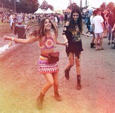 Found on Instagram by mewsha. Love this festival hippie boho style