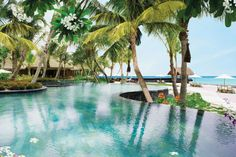 A Five-Star Tropical Resort in The Maldives? Yes, please!