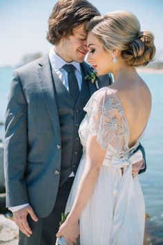 wedding hairstyle idea; featured photographer: Justina Louise Photography