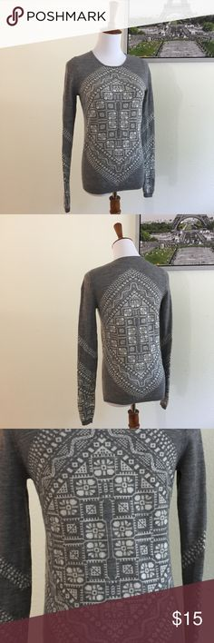 J. Crew Merino Wool Sweater Small A beautiful gray and cream J Crew brand 100% merino wool sweater in a size S.  It is in excellent used condition with no obvious signs of wear. J. Crew Sweaters Crew & Scoop Necks