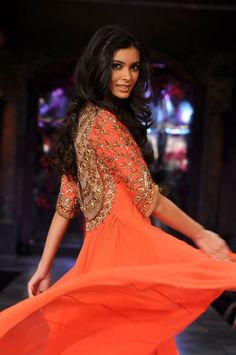 Diana Penty in Manish Malhotra on IndianWeddingSite.com