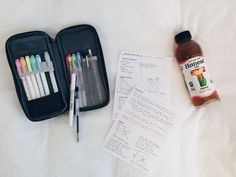 feb. 28 // reviewing old econ notes in preparation for finals! and enjoying some honest tea ^^