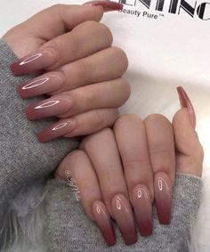 99 Stylish Ombre Long Nail Ideas To Try This Year Makeup Nails and Beauty in 2020 Burgundy Acrylic Nails, Pink Ombre Nails, Summer Acrylic Nails, Best Acrylic Nails, Brown Nails, Acrylic Nails Glitter, Acrylic Nail Designs For Summer, Umbre Nails, Pink Tip Nails