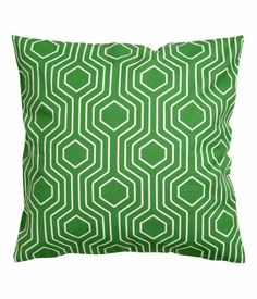 hm home 50 kr Living Room Accessories, Home Accessories, Green Cushion Covers, Throw Pillow Covers, Throw Pillows, Cute Cushions, Hm Home, Geometric Cushions, Green Pillows