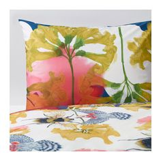 IKEA STUNSIG Quilt cover and 2 pillowcases Bird bee cm Concealed press studs keep the quilt in place. Cheap Bedding Sets, Luxury Bedding Sets, Cotton Bedding, Linen Bedding, Bed Linens, Comforter, Best Bedroom Paint Colors, Ikea New, Nursery Bedding Sets Girl