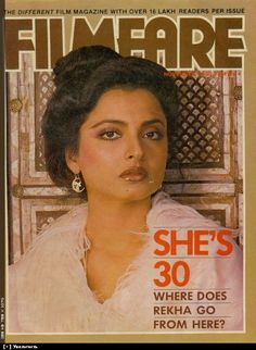 These are a few of the Filmfare covers Rekha has graced with her exotic beauty. 80s Actresses, Indian Actresses, Vintage Bollywood, Indian Bollywood, Actress Priyanka, Bollywood Actress, Rekha Saree, Kareena Kapoor Pics, Bollywood Posters