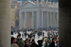 Queue to the Basilica of St. Peter by Grzegorz Adamski on 500px