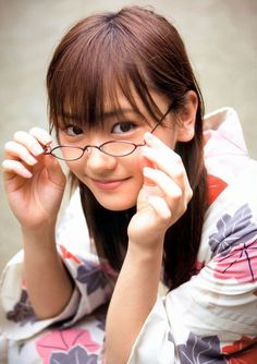 No one can refuse her smile, Japanese actress Yui Aragaki. Gentle and sweet is very popular in Japan! - Page 6 of 35 - slleee Film Blue, Best Actress Award, Yukata Kimono, Kimono Japan, Japanese Outfits, Japanese Fashion, Girls With Glasses, Girl Glasses, Womens Glasses