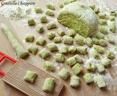 most popular italian recipes Pollo Tandoori, My Favorite Food, Favorite Recipes, Vegetarian Recipes, Cooking Recipes, Best Italian Recipes, Gnocchi Recipes, Food Humor, Antipasto