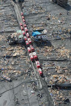 2011TsunamiFireVehicles - 東日本大震災 - Wikipedia
