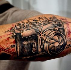 camera tattoo http://www.orianatattoo.com/
